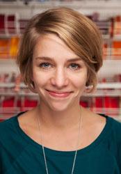 Anne Thiele im Team des Fachgeschäfts für Handarbeiten, Wolle und Basteln in Düsseldorf-Benrath